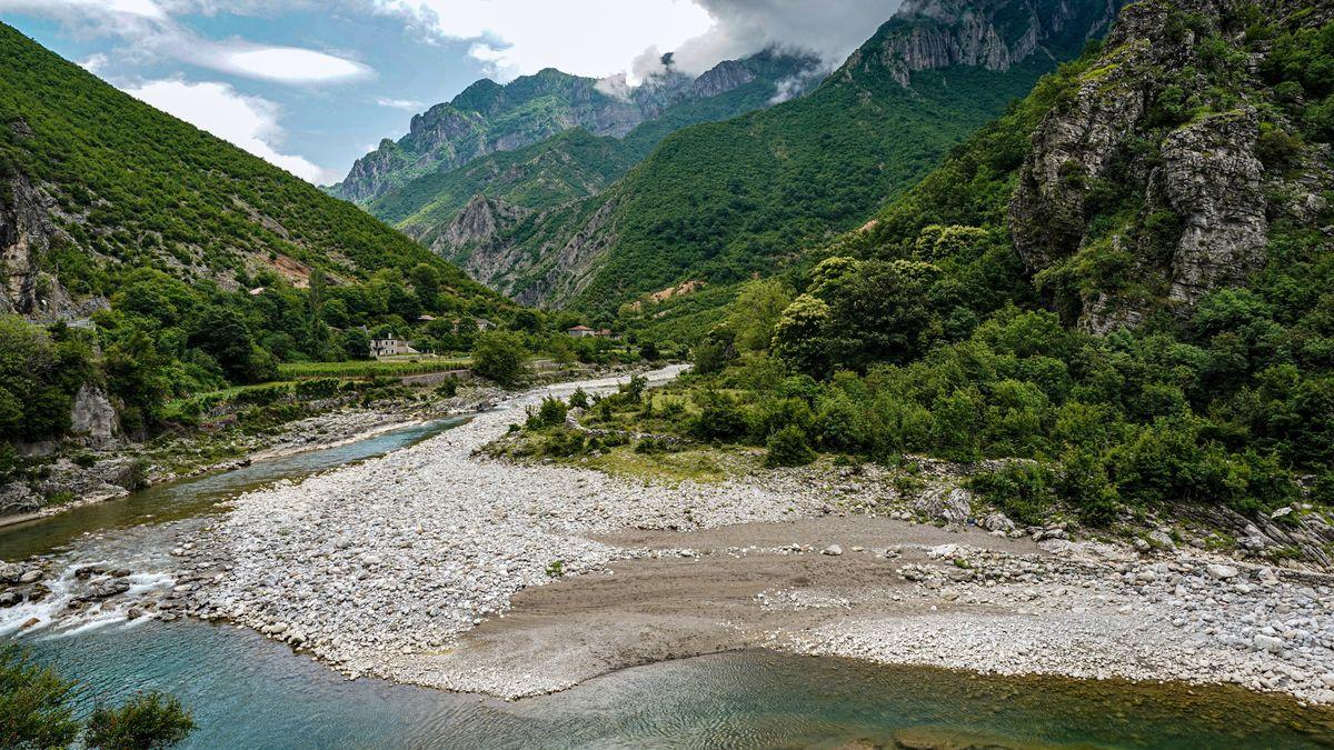 Flusstal in Albanien