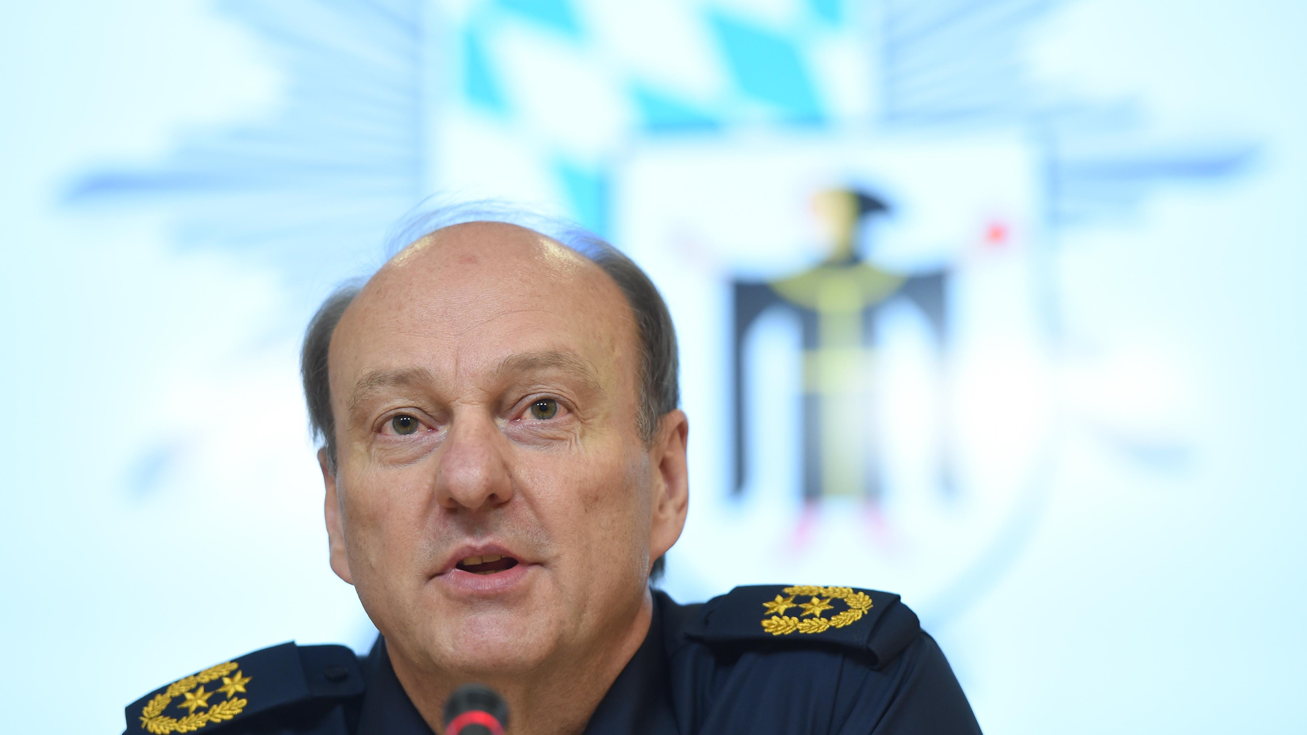 Münchens Polizeipräsident Hubertus Andrä, hier auf einem Bild von Oktober 2017 bei einer Pressekonferenz im Polizeipräsidium in München.