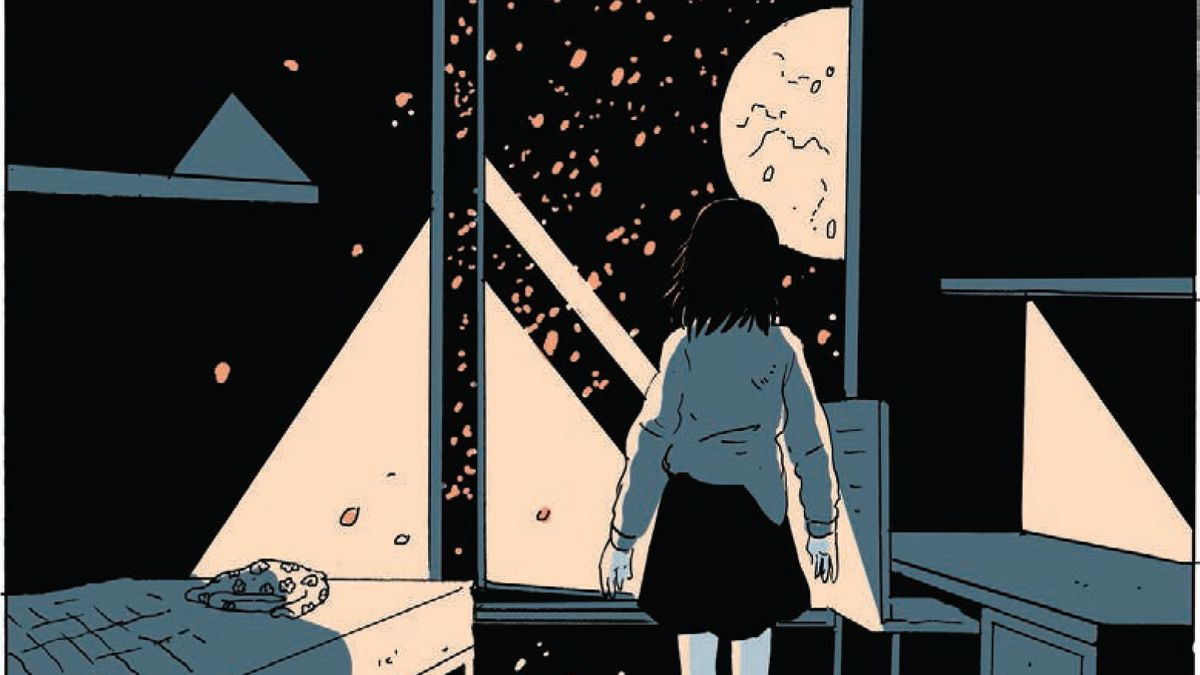 Mädchen blickt aus ihrem Kinderzimmer auf Mond am Nachthimmel