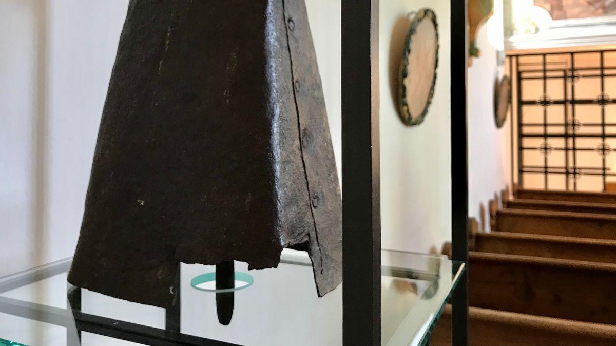 Die älteste Glocke Bayern darf nicht mehr schlagen. Ihren Klang gibt es jetzt digitalisiert.
