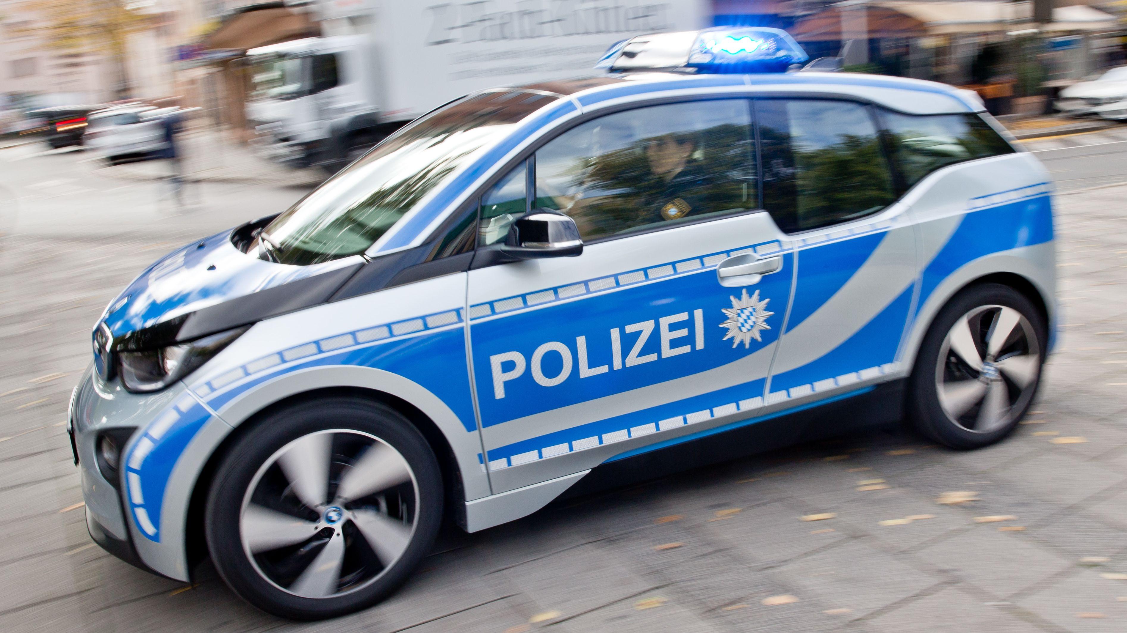 Seit 2015 sind bei der bayerischen Polizei Elektroautos im Einsatz.