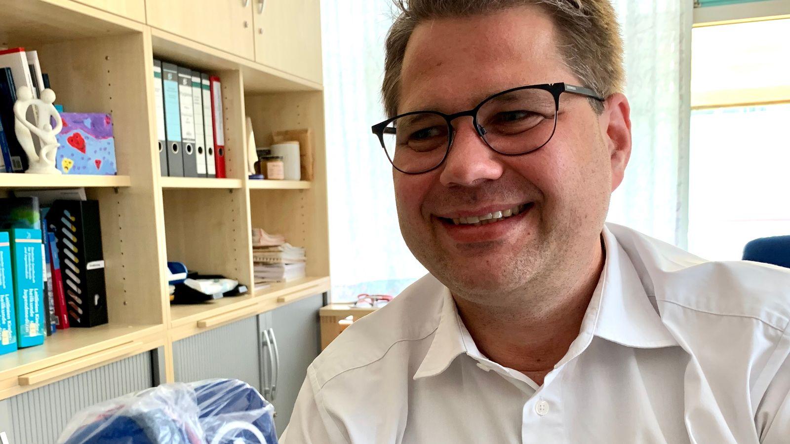 Prof. Dr. Matthias Keller plädiert im BR-Interview dafür, Schulen und Kindergärten wieder zu öffnen.