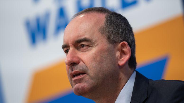 Freie-Wähler-Chef Hubert Aiwanger | Bild:pa/dpa/Christophe Gateau
