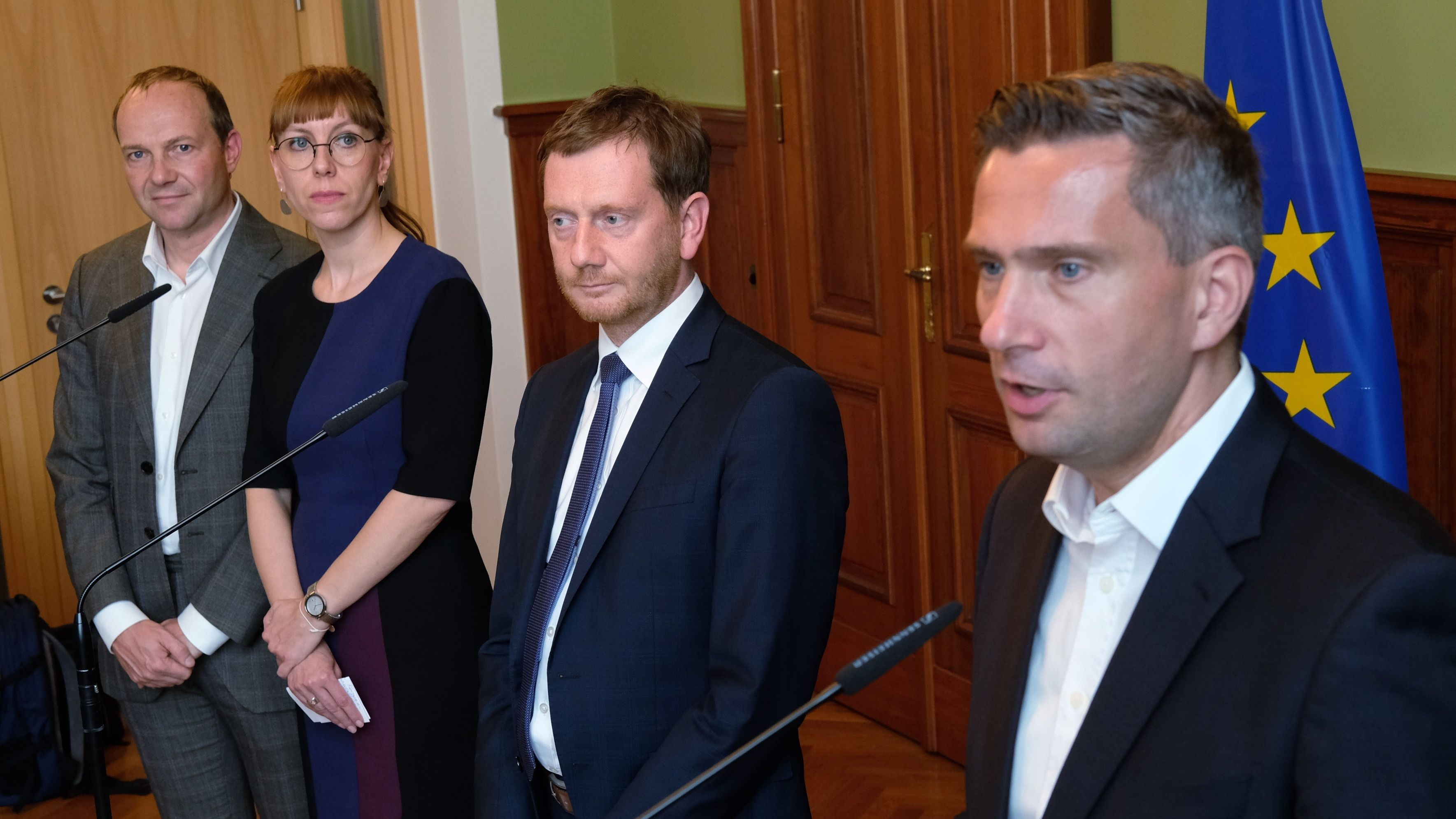 Kenia-Bündnis in Sachsen präsentiert Koalitionsvertrag