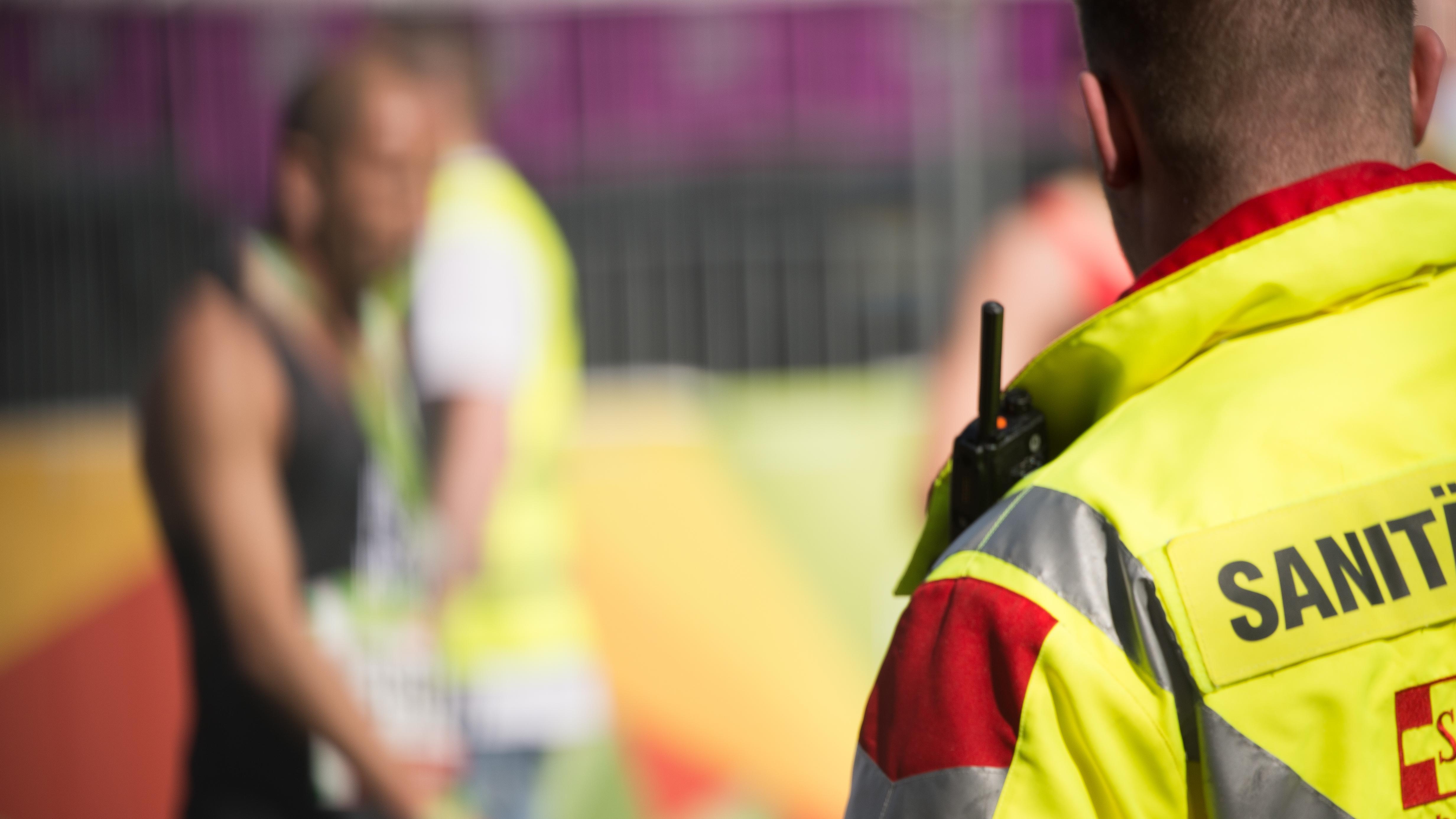 """Rettungskräfte werden oft in ihrer Arbeit behindert. Dagegen kämpft jetzt das Aktionsbündnis """"Lass retten""""."""
