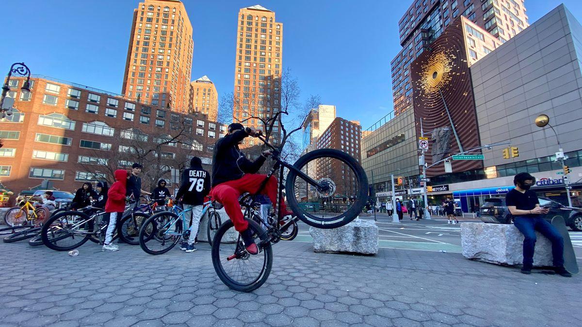 Fahrrad muss sein in New York - gerne auffallend bunt und mit dicken Reifen.