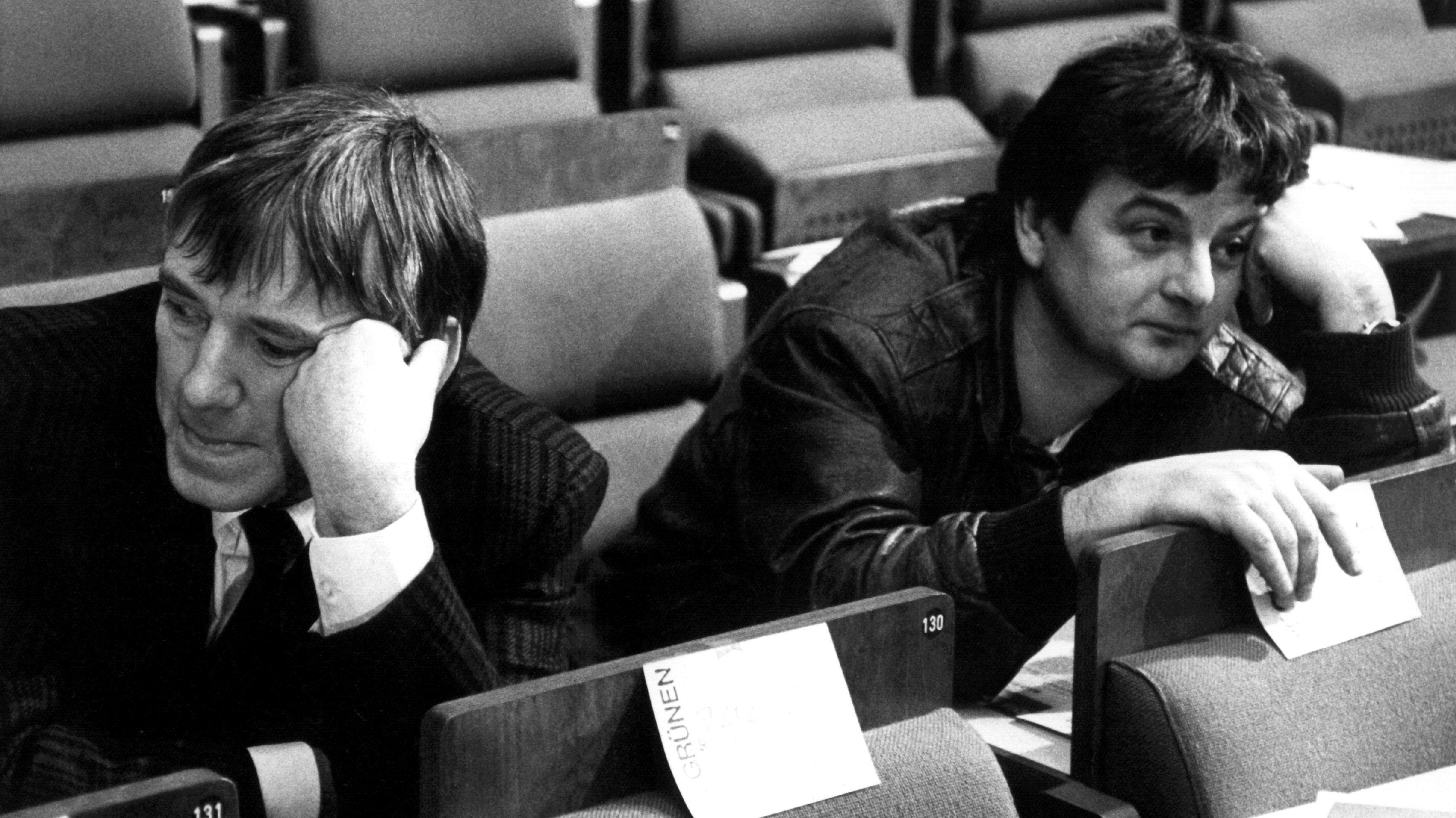 Otto Schily (l.) und Joschka Fischer auf dem Grünen-Parteitag 1988
