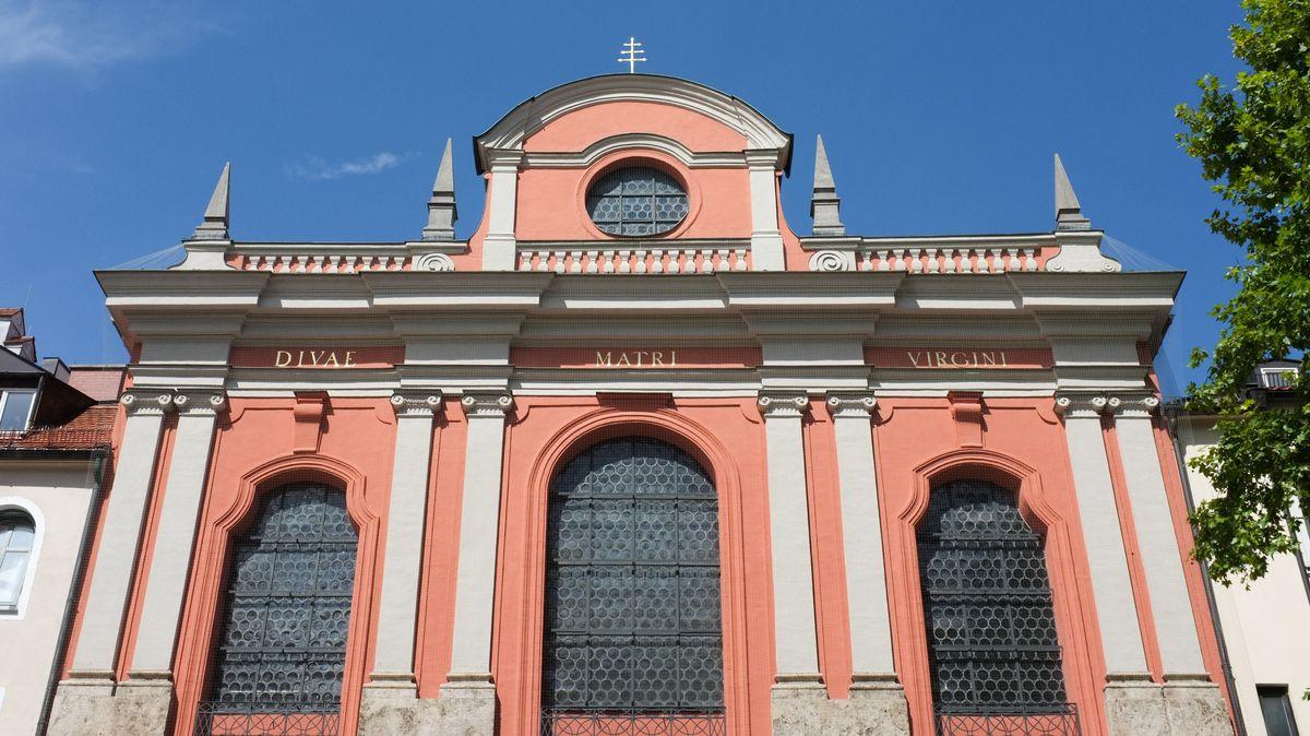 """Der Bürgersaal in München, seit der Weihe des Hochaltars am 13. Mai 1778 inoffiziell auch """"Bürgersaalkirche"""" genannt, ist der Bet- und Versammlungssaal der Marianischen Männerkongregation """"Mariä Verkündigung"""" - er wurde 1709/10 nach Plänen von Giovanni Antonio Viscardi erbaut"""