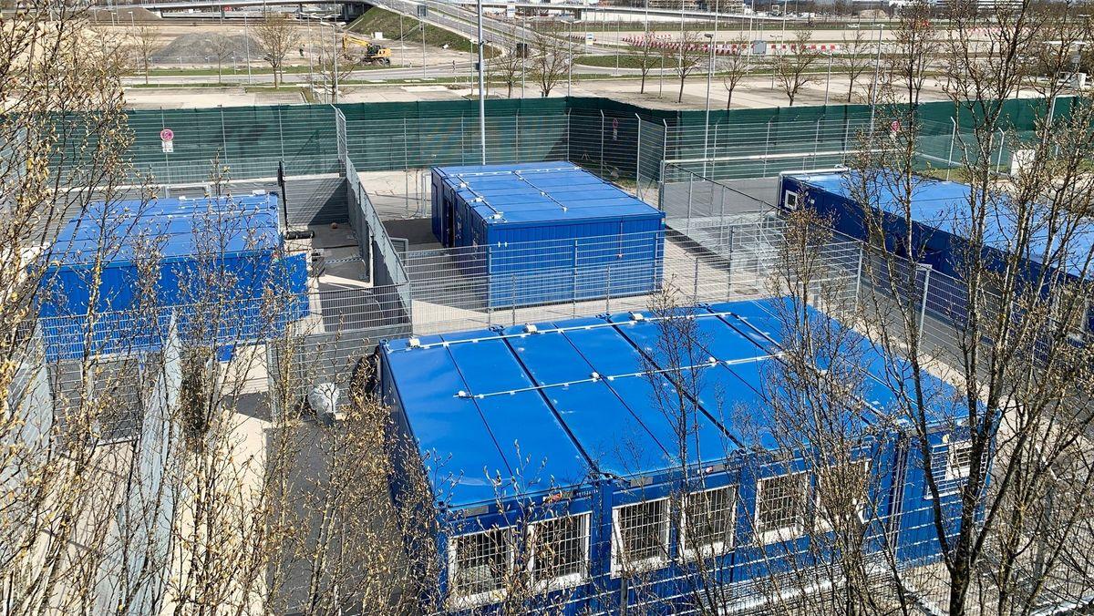 Abschiebegefängnis mit Containern