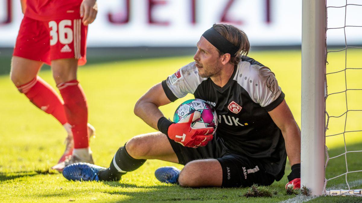 Der neue Kickers-Keeper Fabian Giefer beim Test in Berlin