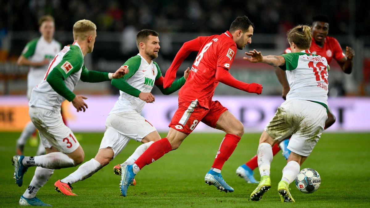 Szene aus dem Hinspiel FC Augsburg - FSV Mainz 05