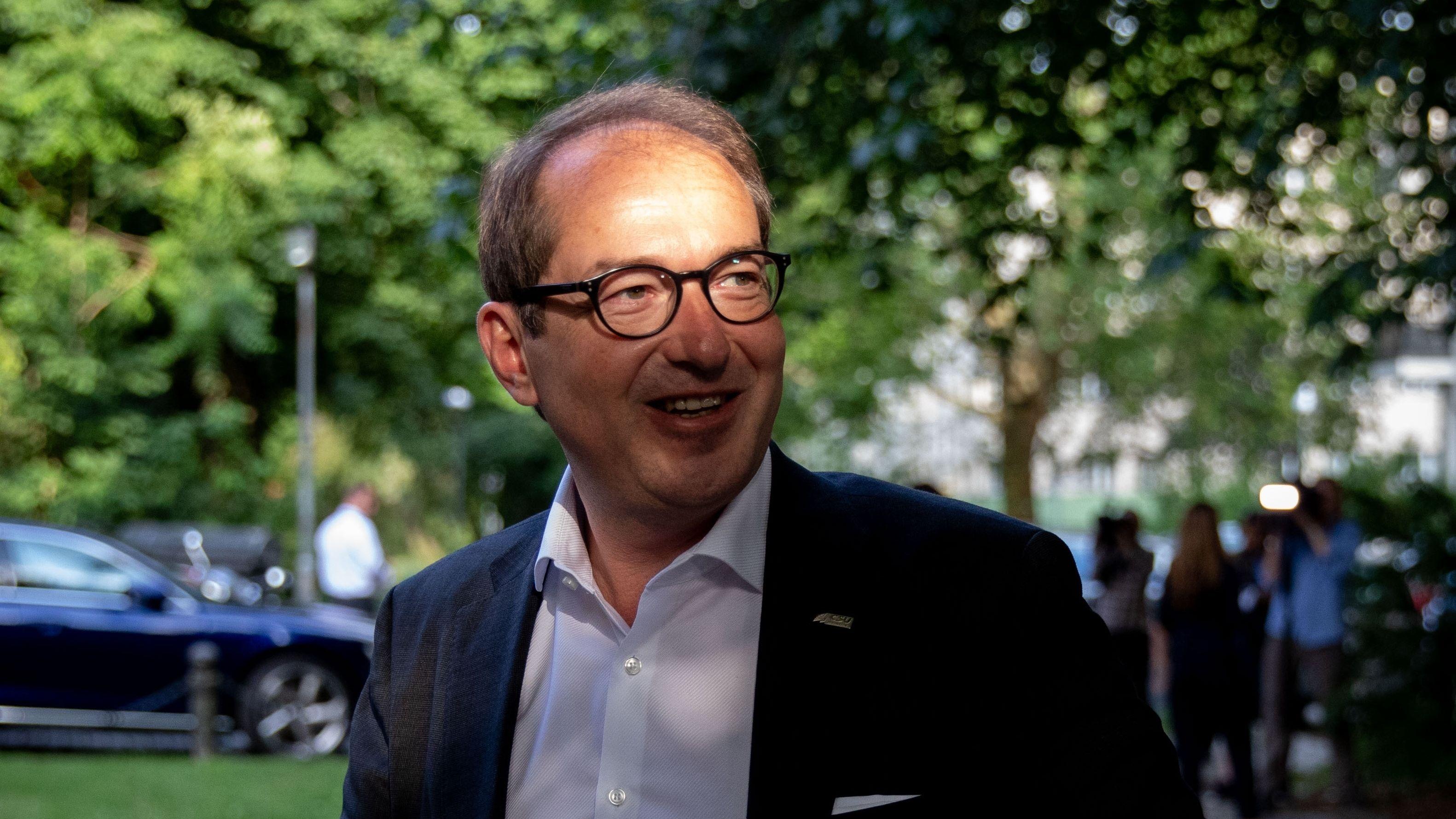 Alexander Dobrindt, CSU-Landesgruppenchef, kommt zur Klausurtagung der geschäftsführenden Fraktionsvorstände von CDU/CSU und SPD. (Archiv)