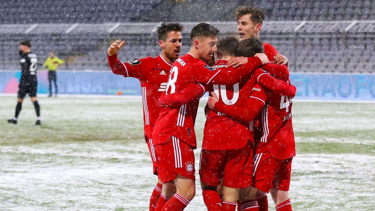3. Liga: FC Bayern München II - FSV Zwickau, Torjubel bei den Hausherren im Grünwalder Stadion