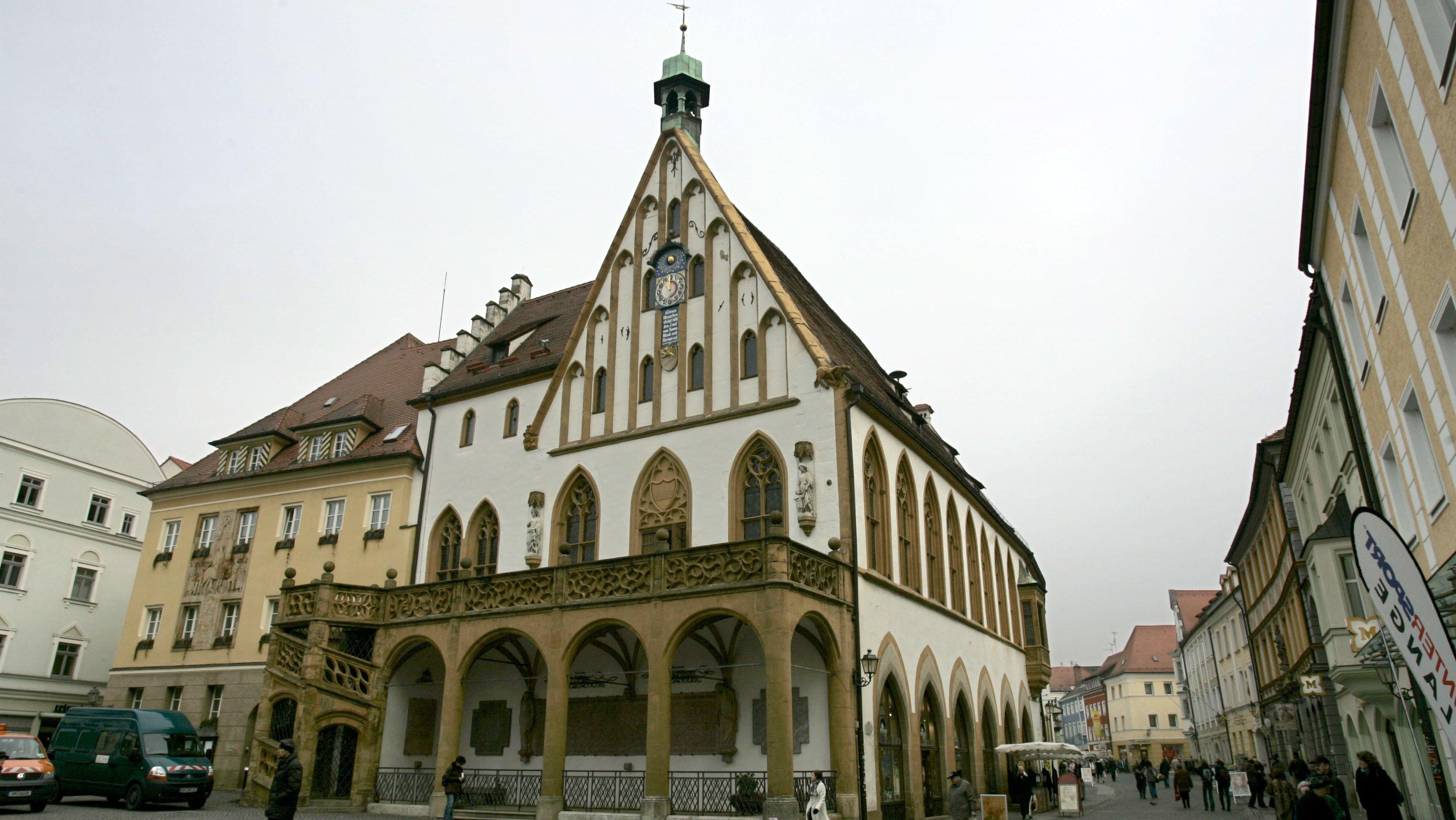 Aufgrund der Corona-Pandemie schließen einige Städte in der Oberpfalz bis auf weiteres auch ihre Stadtverwaltungen.