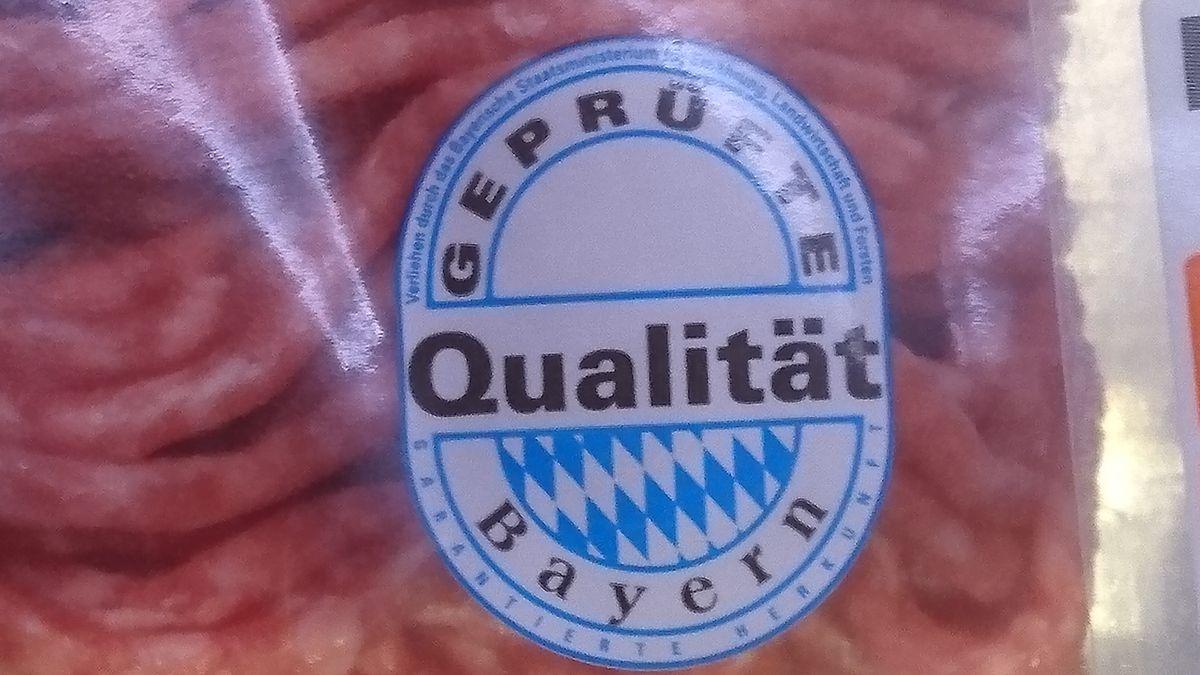 """Siegel """"Geprüfte Qualität Bayern"""" auf Hackfleisch"""