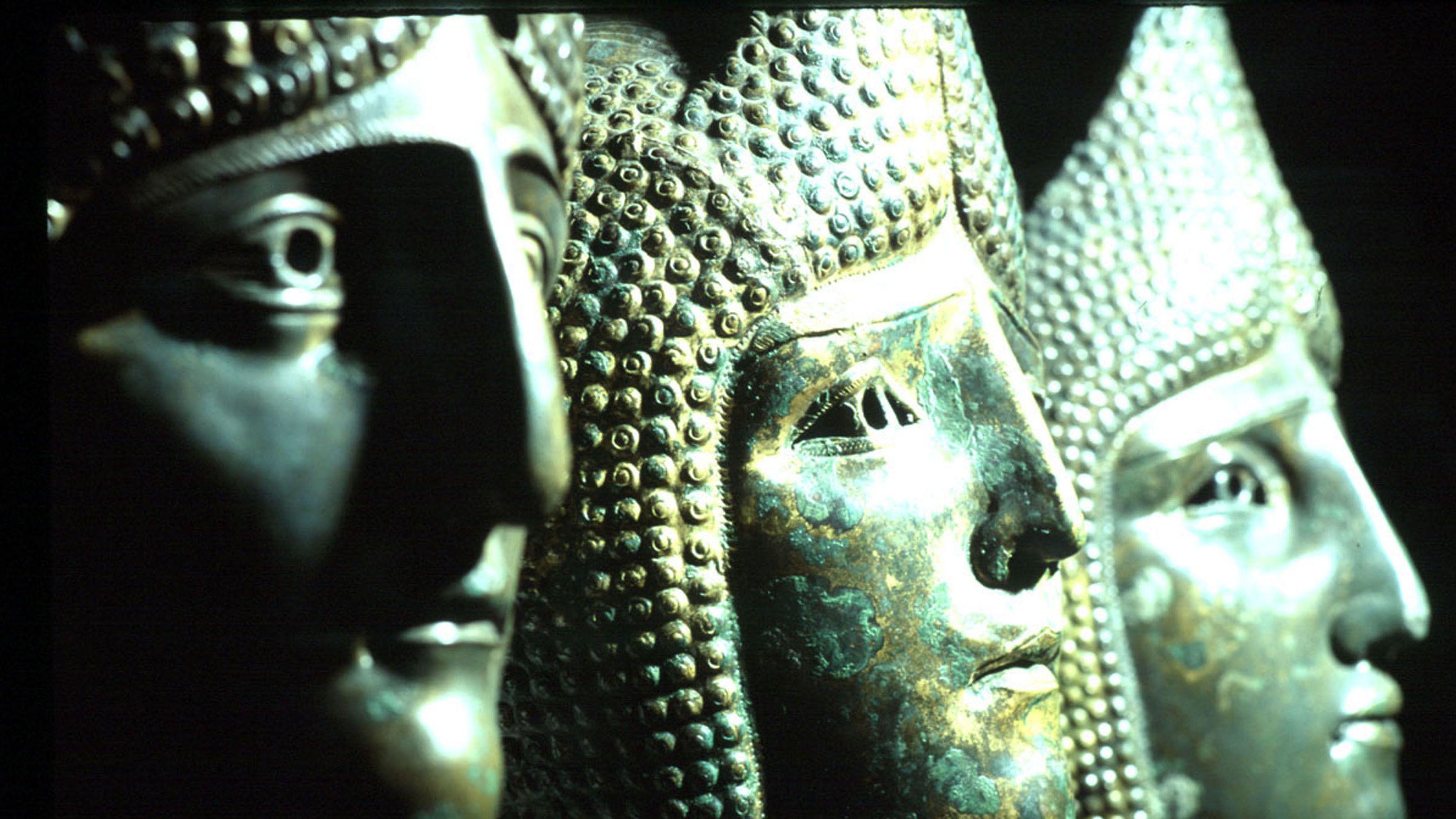 Römermasken, ausgestellt im Gäubodenmuseum Straubing