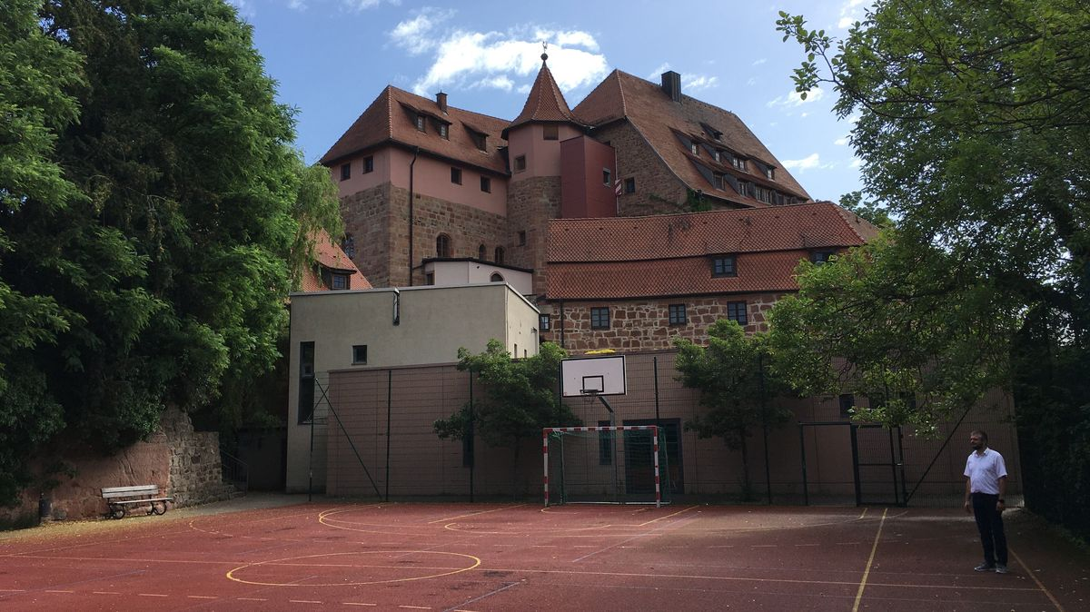 Trainingsplatz der Jugendherberge Burg Wernfels im mittelfränkischen Spalt