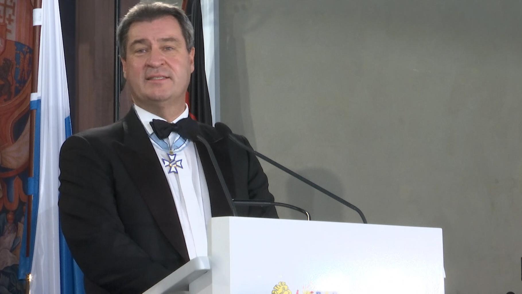 Zum ersten Mal hat Markus Söder als Ministerpräsident zum Neujahrsempfang in der Münchner Residenz geladen. In seiner Rede gedachte der CSU-Politiker auch der Helfer und Betroffenen des heftigen Schneefalls.