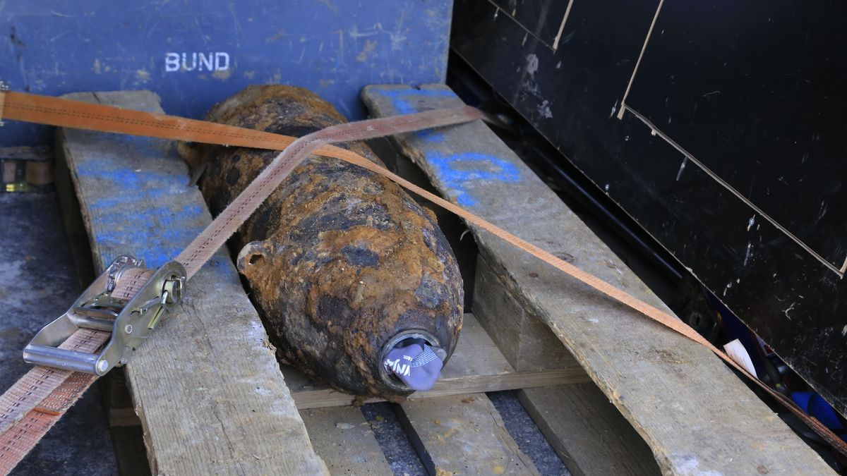 Entschärfte Fliegerbombe in Langweid