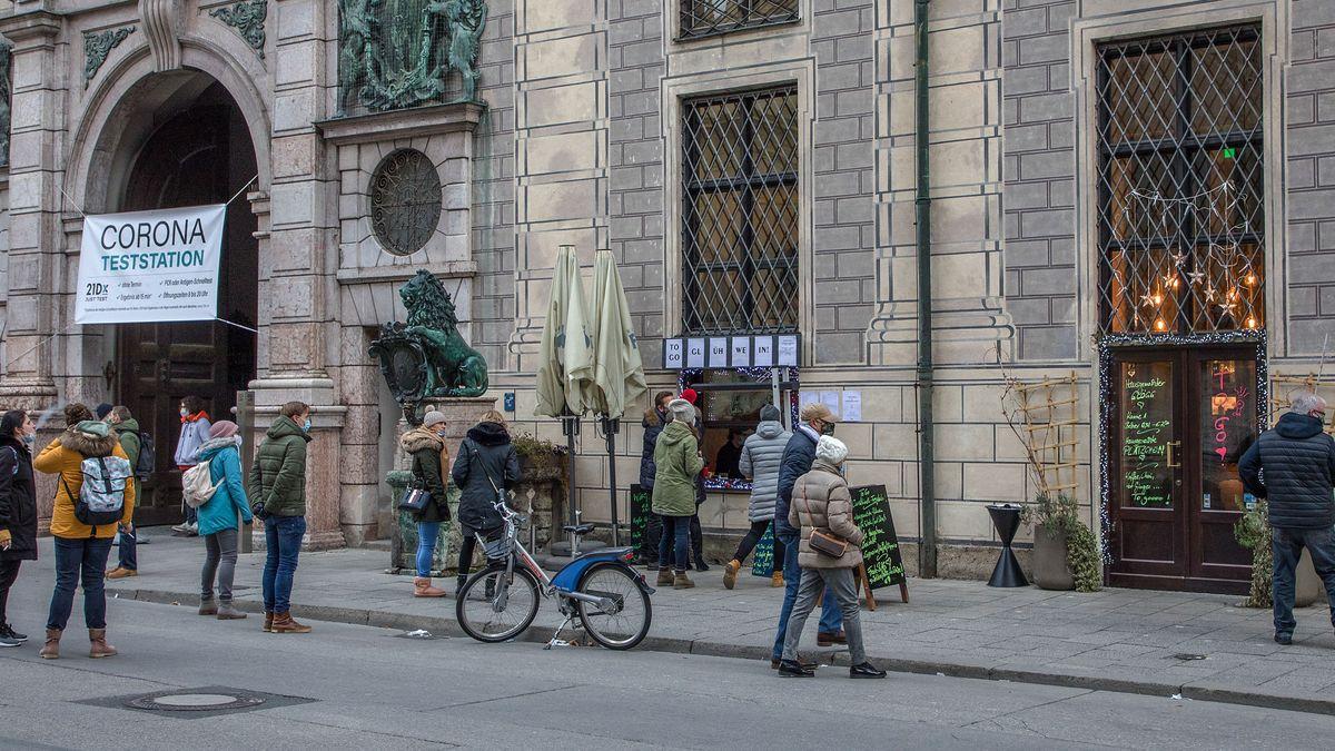Corona-Teststation in der Münchner Residenz