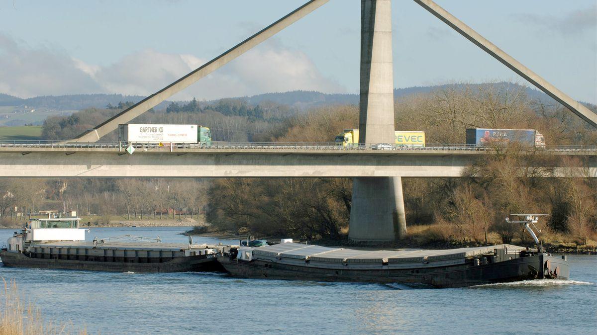 Die Autobahnbrücke bei Deggendorf