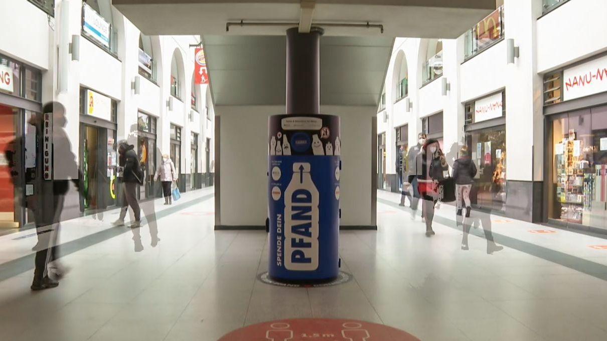 Digitale Pfandtonne im Nürnberger Hauptbahnhof