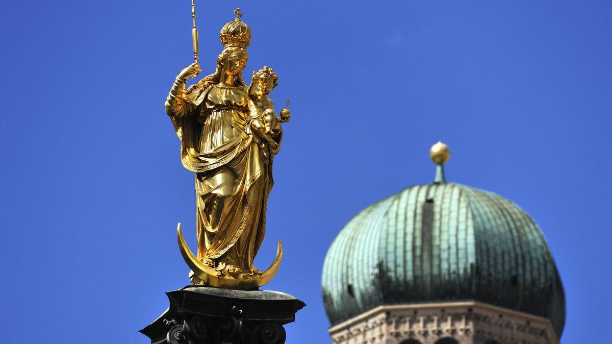 Mariensäule und Frauenkirche in München