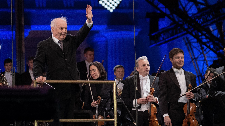 """Daniel Barenboim, der mit der Staatskapelle Berlin Beethovens Fünfte - die """"Schicksalssinfonie"""" - spielt."""
