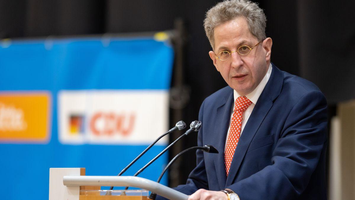Hans-Georg Maaßen (CDU) spricht vor der Wahlkreisvertreterversammlung der CDU-Kreisverbände in Südthüringen.  (30.4.2021)