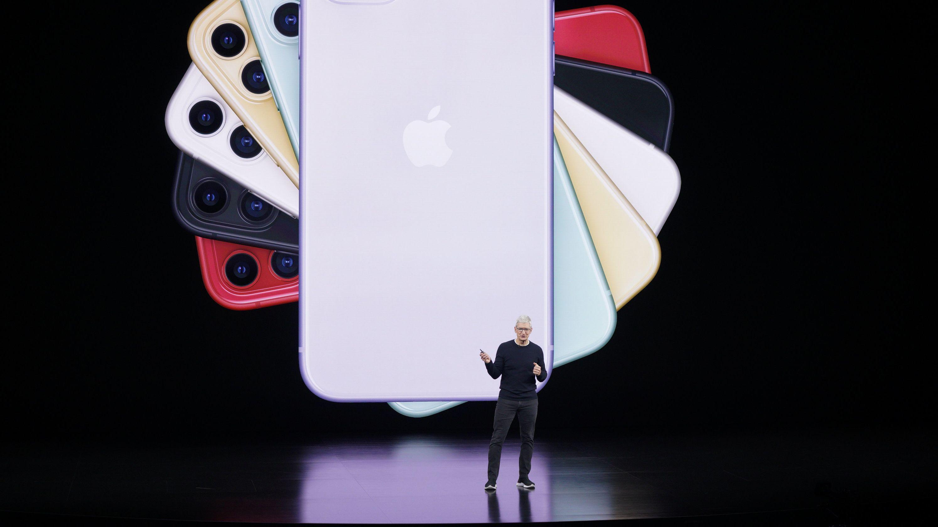 Tim Cook, Geschäftsführer von Apple, spricht über das neue iPhone bei einer Produktvorstellung
