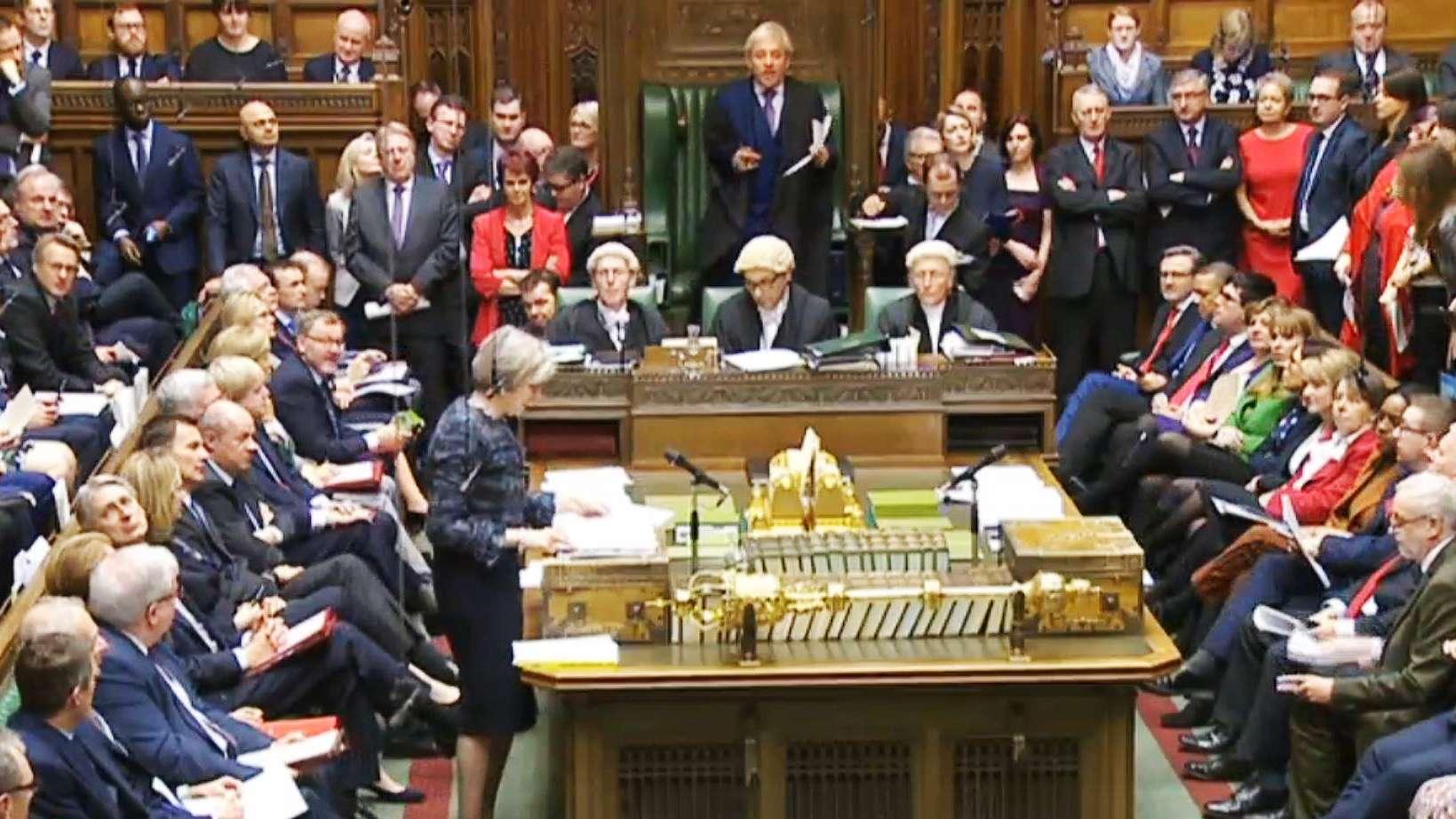Premierministerin May spricht im Unterhaus