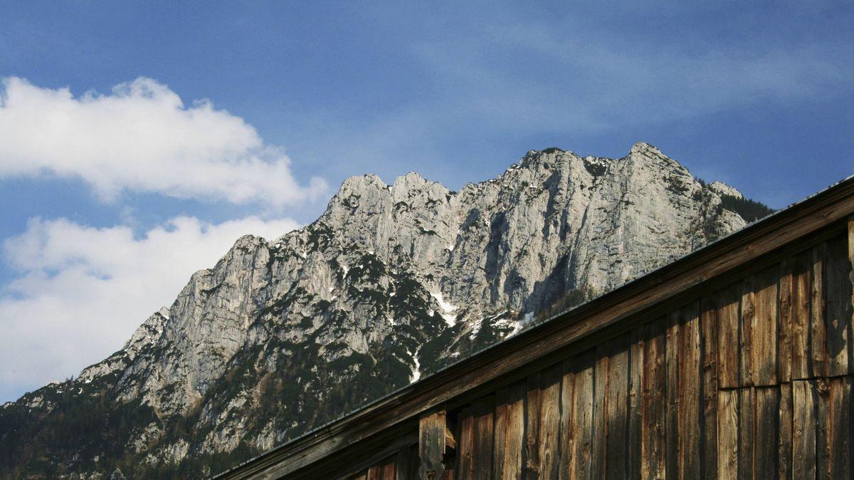 Kaisergebirge mit Zahmem Kaiser in den Kufsteiner Alpen von Ebbs aus gesehen.