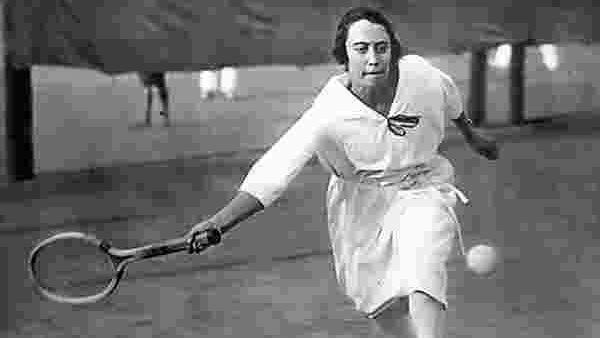 Die Tennisspielerin Nelly Neppach. Die Deutsche Meisterin von 1925 nahm sich nach ihrem Ausschluß vom Sport 1933 das Leben.