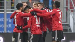 Die Mannschaft von Ingolstadt jubelt nach dem Treffer zum 1:0 gegen Heidenheim   Bild:picture alliance/dpa