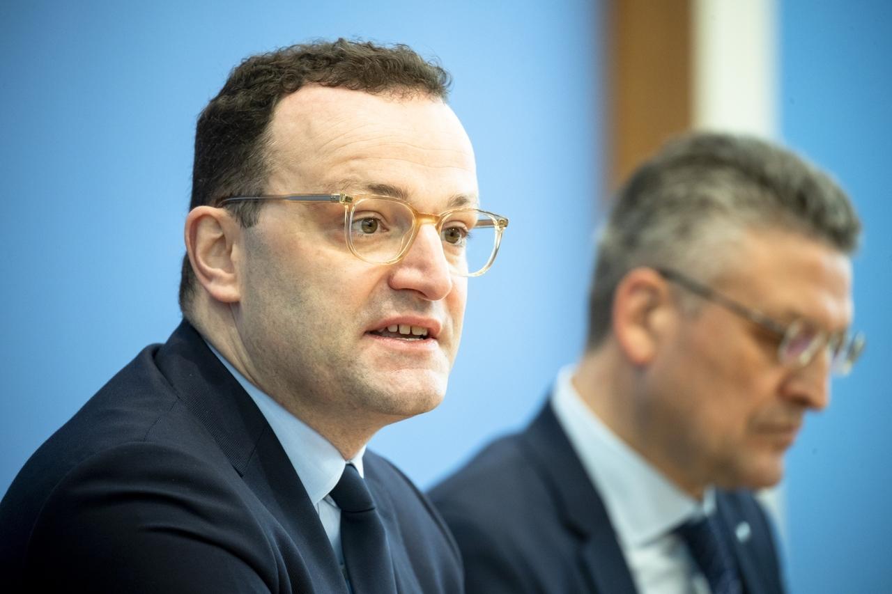 Archivbild: Bundesgesundheitsminister Jens Spahn und RKI-Chef Lothar Wieler in der Bundespressekonferenz