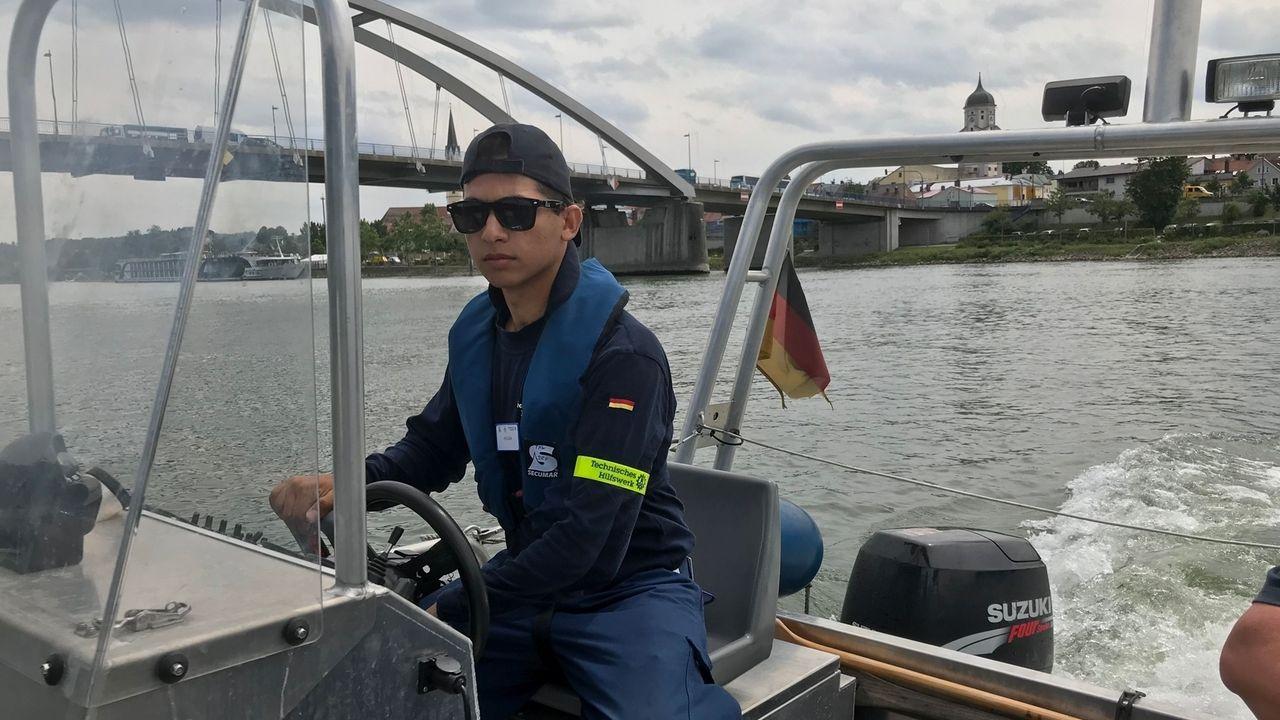 Bootsübung auf der Donau bei Vilshofen