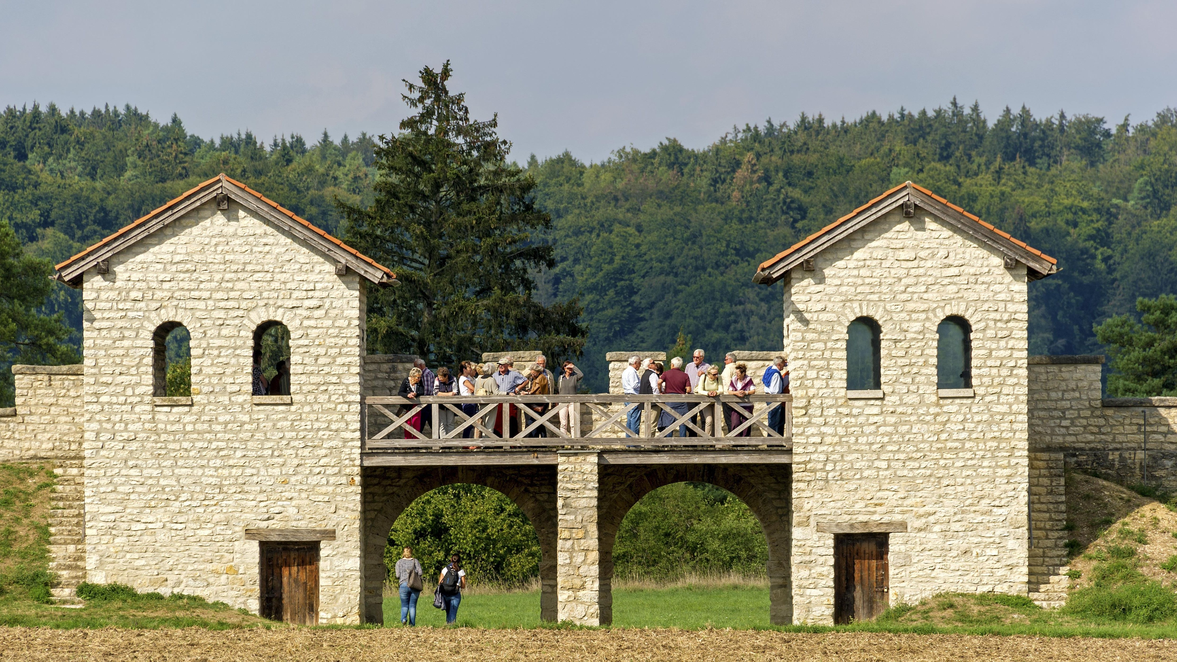 Porta praetoria - Ein Symbolbild für die Welterbestätten in Bayern: Römerkastell Pfünz, Castra Vetoniana oder Vetonianae, raetischer Limes, Walting, Eichstätt