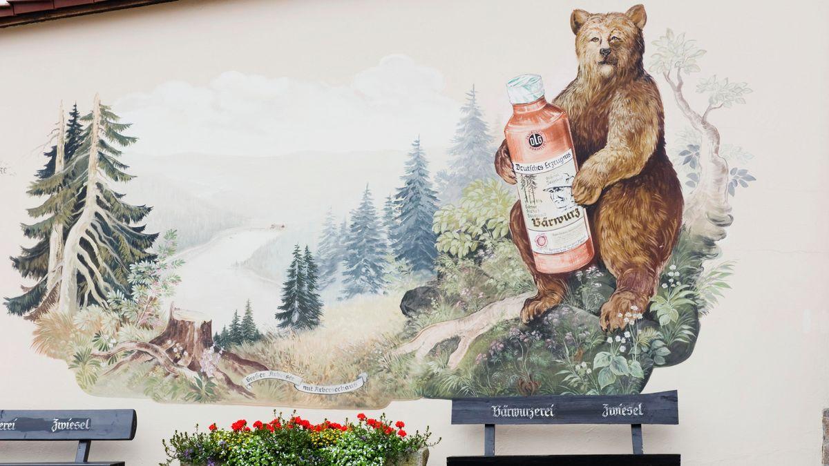 Wandmalerei des Bärwurz in Zwiesel