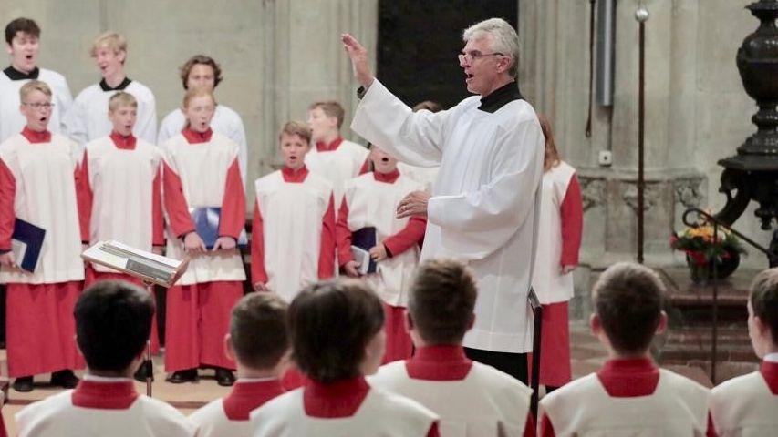 Erstmals dirigierte Christian Heiß die Domspatzen bei einem öffentlichen Auftritt.