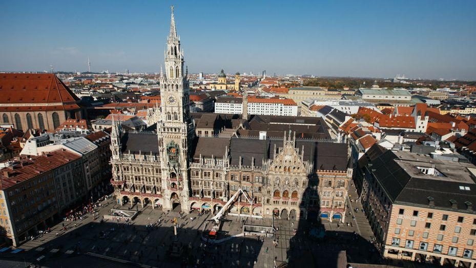 Münchner Rathaus von oben - Symbolbild