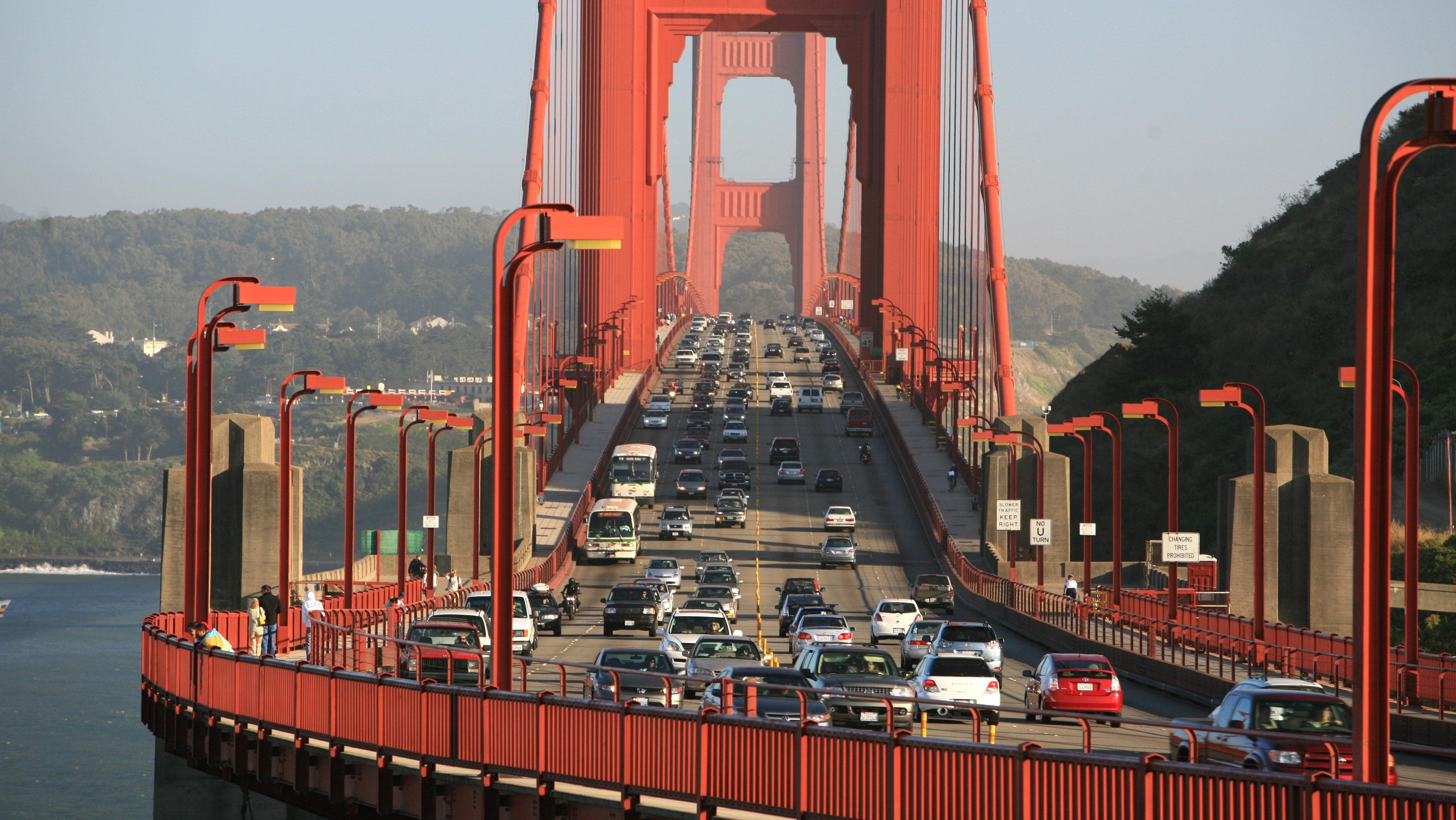 Stoßverkehr auf der Golden Gate Brücke in San Francisco