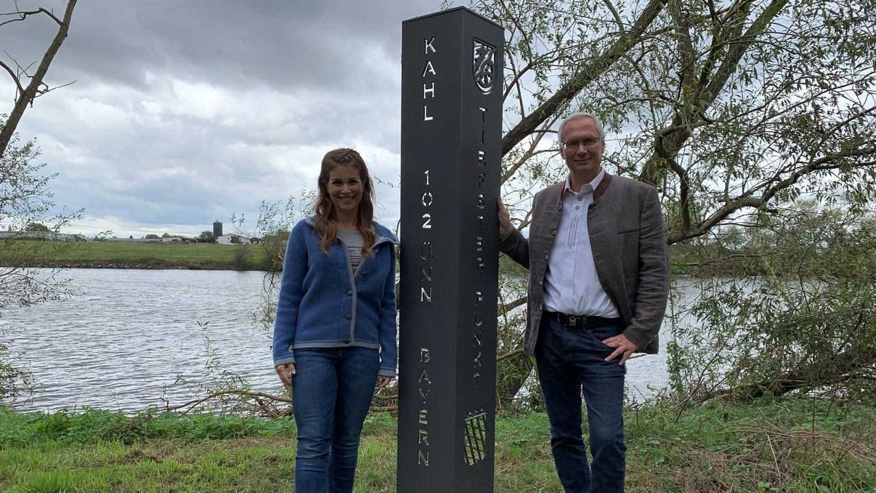 Claudia Pupeter mit Jürgen Seitz, dem Bürgermeister von Kahl am Main