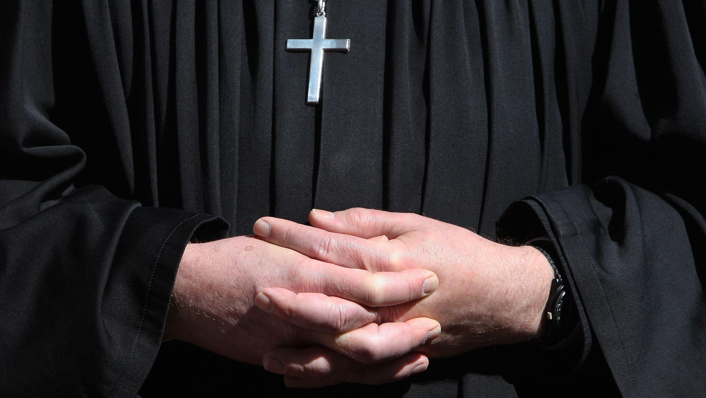 Symbolbild Pfarrer