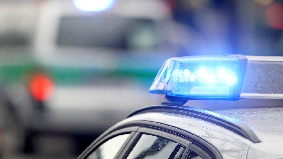 Symbolbild: Blaulicht auf einem Polizeiauto
