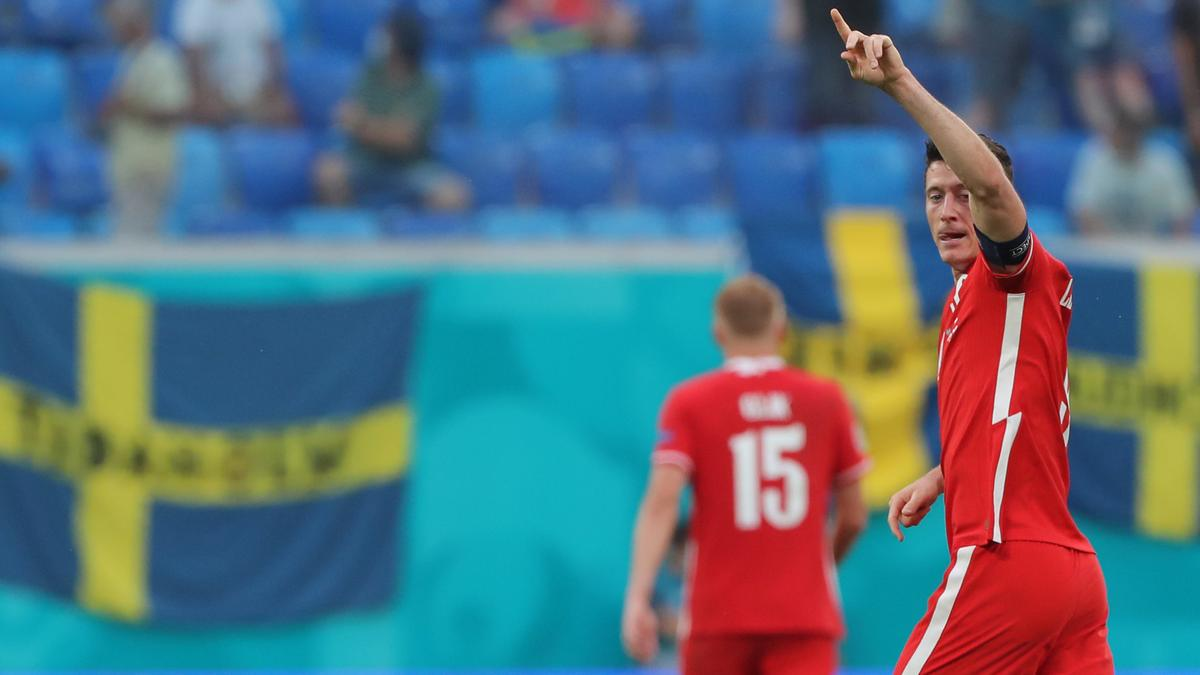Robert Lewandowski feiert einen seiner Treffer.