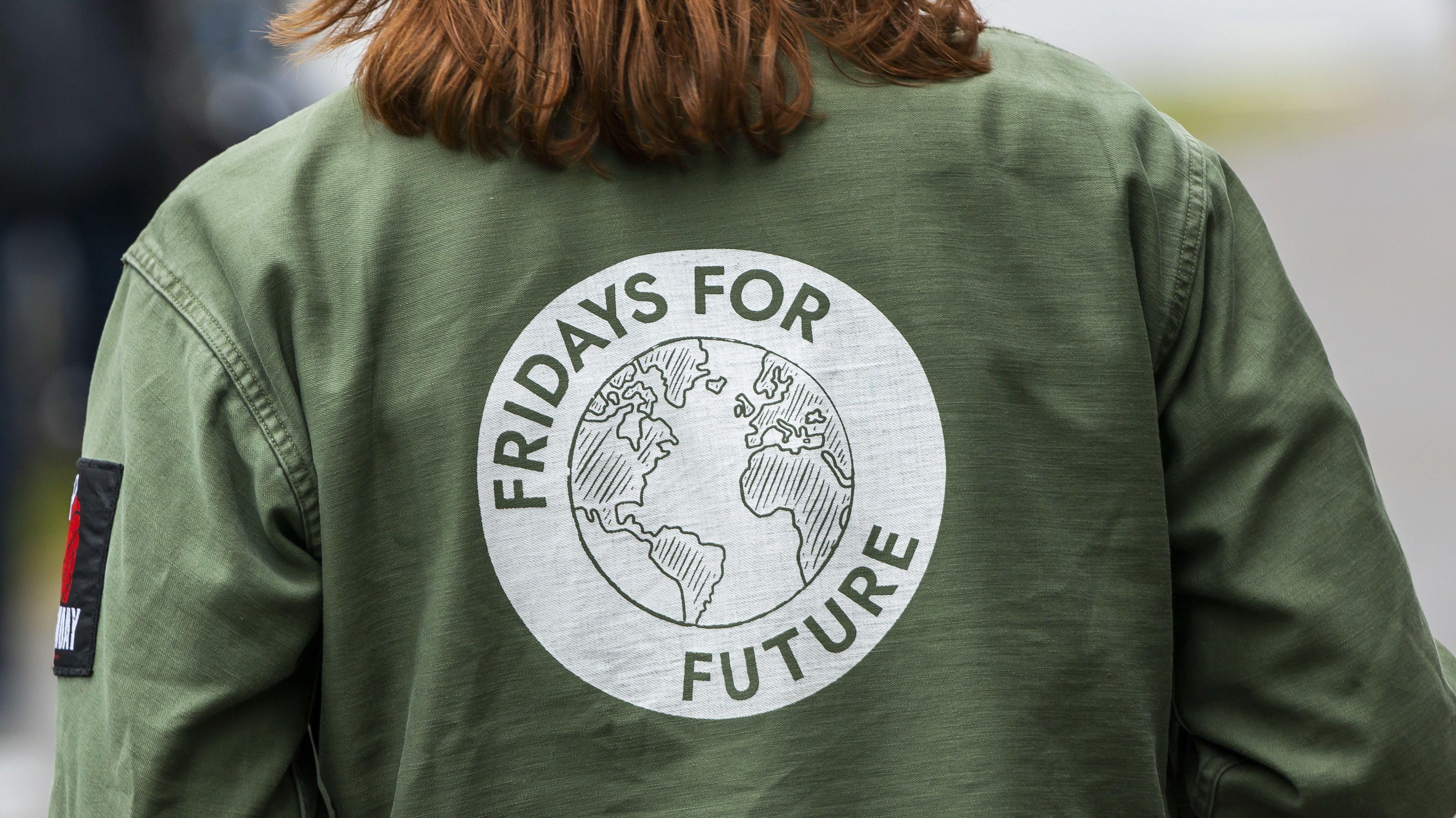 """Jacke mit """"Fridays for Future""""-Aufschrift"""