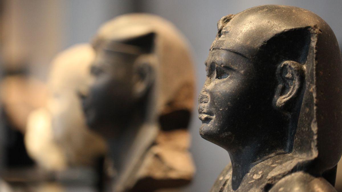 Pharaonen-Büsten im Ägyptischen Museum München