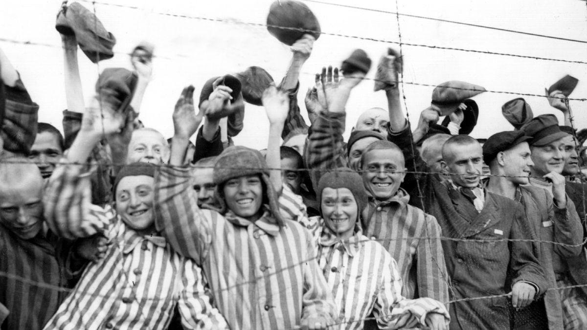 Nach der Befreiung des Konzentrationslagers Dachau Ende April 1945