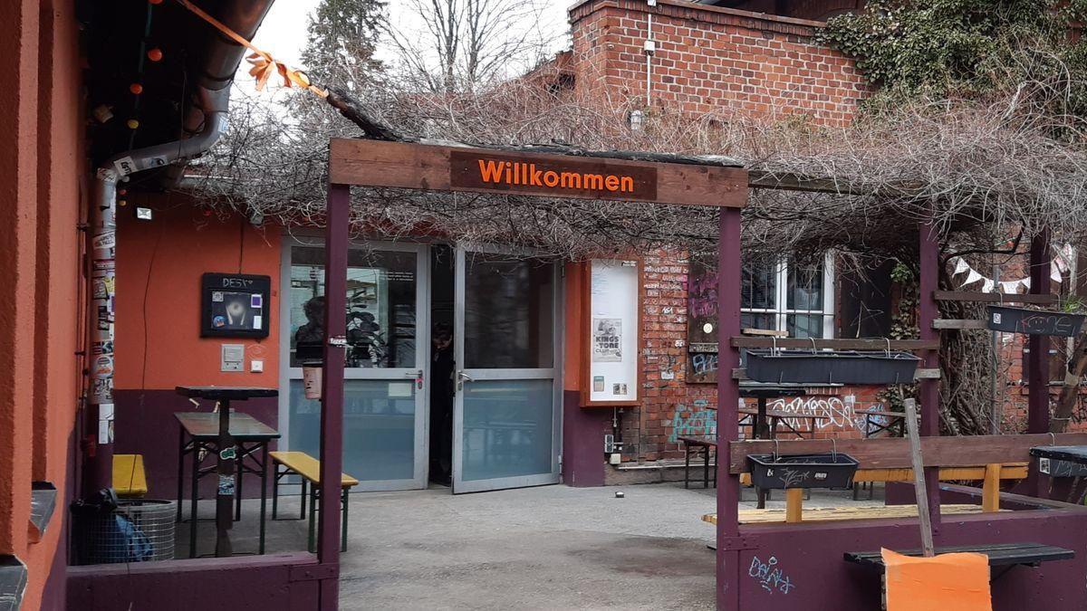 Der Eingang zum Kulturzentrum Desi