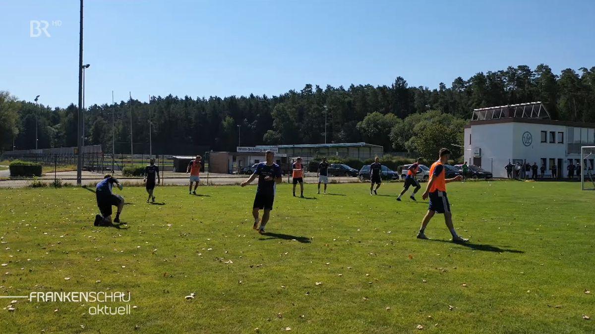 Der VfL Frohnlach beim Training.